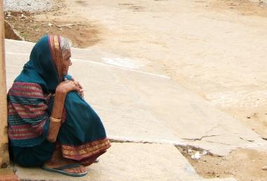 indian-woman-1193154-1919x1299